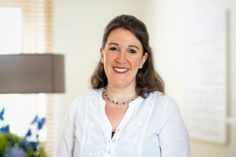 Portrait der Heilpraktikerin Katrin Bruckmann, Therapeutin für Colon-Hydro-Therapie in Krefeld
